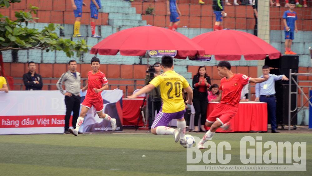Hơn 300 cầu thủ tranh tài giải bóng đá nam học sinh THPT toàn tỉnh